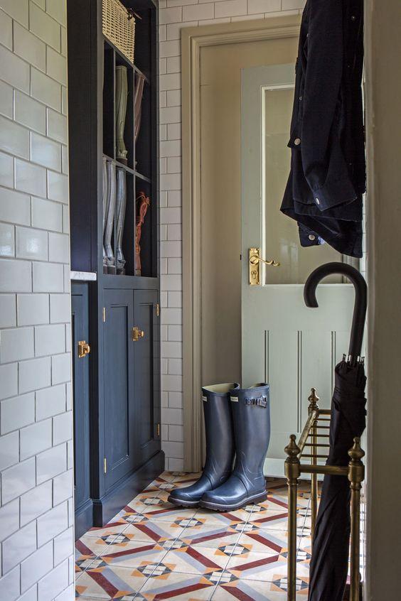 tropikalna tapeta, tapeta wpalmy, jak urządzić mieszkanie, mieszkanie wstylu vintage, mieszkanie wstylu skandynawskim, salon retro, wnętrze rustykalne