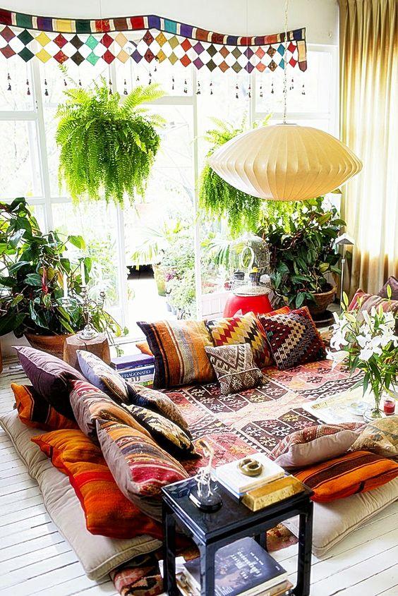 wnętrze wstylu boho, ogród wstylu boho, boho dekoracje