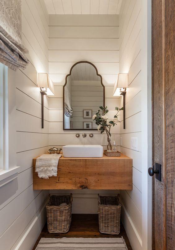 łazienka rustykalna, łazienka wstylu farmhouse, jak urządzić stylową łazienkę, trendy łazienkowe, wiejska łazienka