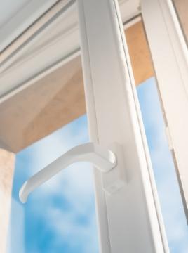 najpopularniejsze okna pcv, ciepłe okna plastikowe, energooszczędne okna do domu i bloku