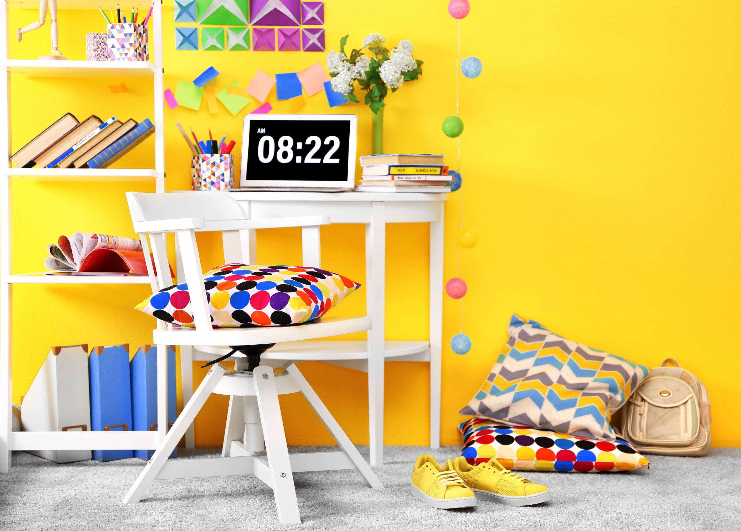 Jak urządzić oryginalne wnętrze? Kolorowe pomysły naaranżacje domu