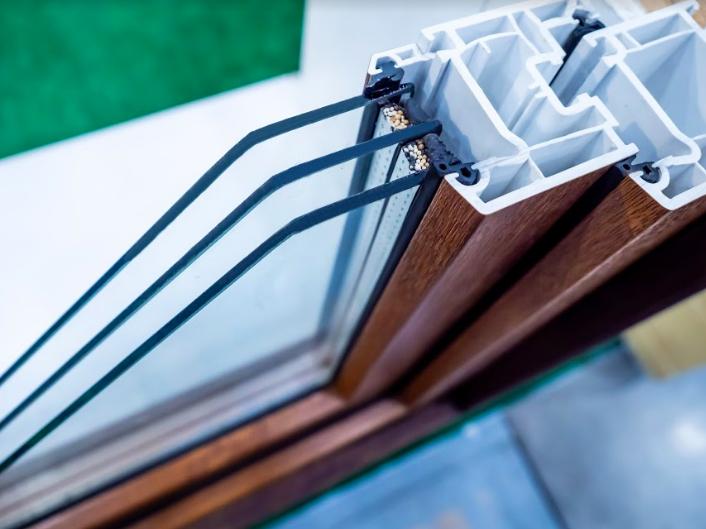 Dlaczego okna trzyszybowe parują odzewnątrz  ico robić, żebyokna nieparowały odwewnątrz?