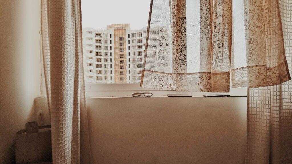 jak uszczelnić okna, uszczelnianie okna, jak uszczelnić okno, jak uszczelnić okno plastikowe, jak uszczelnić okna nazimę, jak uszczelnić okna silikonem, jak uszczelnić okna pcv, uszczelnianie okna balkonowego, uszczelnianie okna taśmą, jak uszczelnić okna drewniane, jak uszczelnić okna dachowe, jak uszczelnić okna pianką, jak uszczelnić okna drewniane nazimę, jak uszczelnić okno dachowe, jak uszczelnić okno plastikowe, jak uszczelnić okno tarasowe, jak uszczelnić okno przy parapecie, jak uszczelnić okno plastikowe przy parapecie, jak uszczelnić okno dachowe nazimę, jak uszczelnić okno drewniane, uszczelnianie okna dachowego, uszczelnianie okna pianką, uszczelnianie okna nazime, okna, krok, regulacja okien pcv